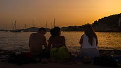 Tiempo de verano (Carpetovetn) Tags: espaa marina puerto atardecer mar agua playa paisaje personas mallorca mediterrneo anochecer marmediterrneo tamron2875 nikond610