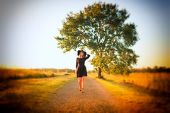 Angela (O.I.S.) Tags: angela model baum tree walk walking gehen road strase weg path kleid dress sunset sun sonnenuntergang hiller moor
