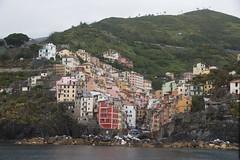 Riomaggiore (kepibear) Tags: cinqueterre europe liguriansea 2016 italy riomaggiore canonefs1585mmf3556isusm