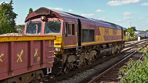 66164 (JOHN BRACE) Tags: 1999 gmemd london canada built co class 66 loco 66164 seen east croydon english welsh scottish livery 1413 hoo junction sydenham engineers train passing 1647