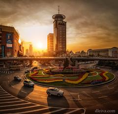 Puesta de sol en Shanghai, China (dleiva) Tags: shanghai china sunset architecture sun sol pundong bund dleiva domingo leiva