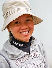 Girl in Hoi An (Jom Manilat) Tags: girl hoi an viet nam vietnam smile