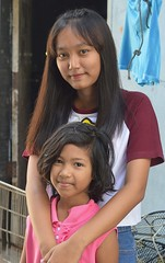 pretty girls (the foreign photographer - ) Tags: two pretty girls children khlong thanon portraits bangkhen bangkok thailand nikon d3200