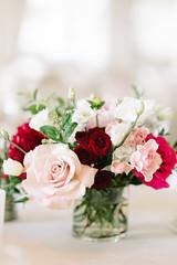 detailsweb-022 (Flower 597) Tags: typical weddingflowers weddingflorist centerpiece weddingbouquet flower597 bridalbouquet weddingceremony floralcrown ceremonyarch boutonniere corsage torontoweddingflorist