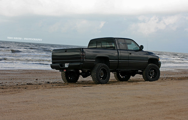 sky beach gulfofmexico water clouds truck canon coast sand waves texas offroad 4x4 dodge ram lifted ram2500 sportedition