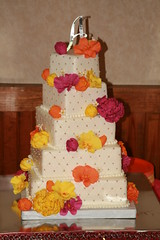 "Quilted and floral wedding cake • <a style=""font-size:0.8em;"" href=""http://www.flickr.com/photos/60584691@N02/7977194053/"" target=""_blank"">View on Flickr</a>"