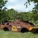 Muitos carros de combate abandonados...