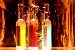 Elderflower Syrup (Wackelaugen) Tags: light food reflection colors canon photography eos photo bottle drink gift elder syrup 500d elderflower