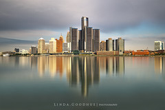 Coloured reflections... (Linda Goodhue) Tags: reflections detroitriver exposures detroitmichigan windsorontario internationalborder nd10filter lindagoodhuephotography