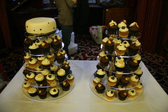 Black and Gold Wedding Cupcakes