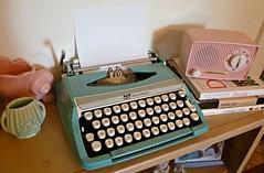Vintage Aqua Smith Corona Typewriter (MissConduct*) Tags: pink blue typewriter radio vintage illinois aqua sale turquoise garage tube cottage style books smith pot corona vase pottery decor cottagestyle score find smithcorona missconduct maryemmerling americanjunk maryrandolphcarter londala oldglorycottage