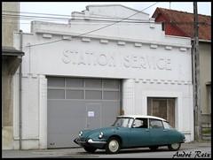 STATION SERVICE (andre2cv87) Tags: citroen id ds 19 p 1964 vert epicea ancien vieux garage station service art deco facade enseigne avesnes sur helpe nord 59