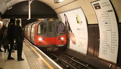 Northern Line (sfryers) Tags: underground tube northernline charingcross train metro rail public transport tunnel station platform passengers transit london supermulticoated takumar 50mm 114 m42