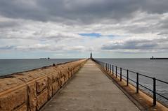 Harbour (johan van moorhem) Tags: unitedkingdom greatbritain england engeland newcastle tynemouth