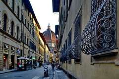 Florence Doumo (gerard eder) Tags: world travel reise viajes europa europe italy italien italia toscana tuscany florence firenze florenz oldcity duomo cathedral catedral dom street streetlife