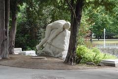 F-Projekt Lebenswelt(en) (Harald Reichmann) Tags: wien stadt park stadtpark stein skulptur training lifeskills anstrengung