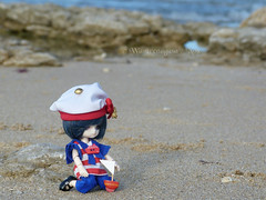 A lone little sailor and his boat (Wasurenagusa / Nox) Tags: little dal ciel tina obitsu