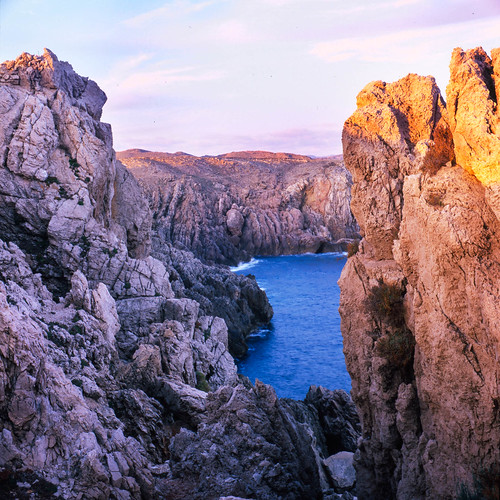 Menorca_Rocks_Sunset.jpg