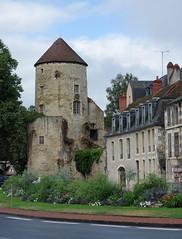 Nevers (Nivre) (sybarite48) Tags: tour tower turm   torre   toren wiea  kule nevers nivre france tourgoguin