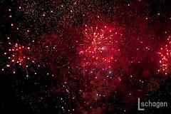 Firework show @ fun fair the Hague / Vuurwerkshow @ Kermis Den Haag (Lucy Schagen) Tags: fireworks firework vuurwerk show fun fair night dark lowlight fireworkshow funfair thehague thenetherlands holland denhaag hague malieveld