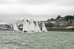 BW4_4156.jpg (Pics by Brian2011) Tags: bear start sailing dragon august racing aimee isleofwight virago week regatta 16 yachts cowes 2012 yatchts aberdeenassetmanagement royalyatchsquadron gbr720 gbr767 gbr693