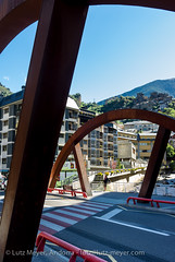 Andorra infrastructure: Escaldes (lutzmeyer) Tags: city bridge summer river puente place sommer platz centre august center agosto verano pont below baixa brcke fluss unten andorra agost pyrenees estiu pirineos pirineus riu pyrenen escaldes escaldesengordany stadtgebiet leicax1 andorracity riuvaliradorient placalalin lutzmeyer lutzlutzmeyercom collegidelasagradafamilia