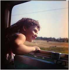 .there is love in my rainbow (Herr Benini) Tags: train toscana treno finestra ritrattodestate 6x6 analog kiev88 zug fenster zugfenster