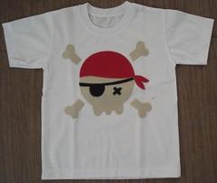 Caveira pirata (Kaasf) Tags: artesanato artesanal patch patchwork camiseta customizada estilizada patchcolagem caamis patchapliqué patchapliqueé