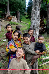 Kashmirexplorers_NeelumValley_kids (Kashmir_Explorers) Tags: pakistan mountains green tourism nature beauty smile kids river woods heaven adventure explore valley kashmir kashmiri heavenonearth ajk azadkashmir neelumriver muzaffarabad neelumvalley kashmirexplorers