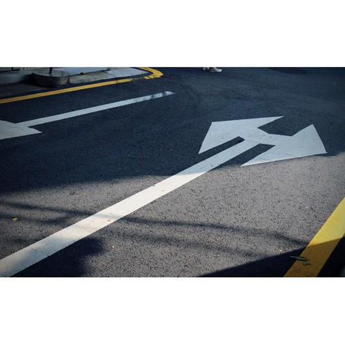 갈림길, 2012-09 성곡동 #photodang #road #arrow #leica #dlux5 #squaready