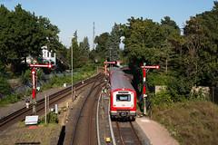 Hamburg-Blankenese (Nils Wieske) Tags: hamburg blankenese sbahn zug zge train expresstrain baureihe 472 formsignale formsignal