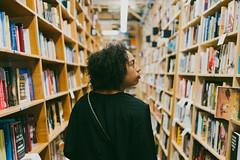 Powell's City of Books (L. A. Nolan) Tags: 35mm 35mmf2 books bookstore fujifilm fujifilmfujinonxf35mmf2 fujinon oregon people portland travelphotography vacation powellscityofbooks powellbooks