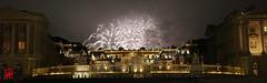 Ciel de plomb pour le dernier feu d'artifice de l't au Chteau de Versailles (mamnic47 - Over 6 millions views.Thks!) Tags: feudartifice img0873m fume versailles chateaudeversailles courdhonneur groupef 17092016