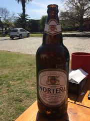 """Colonia del Sacramento: la Norteña, une deuxième très bonne bière uruguayenne. <a style=""""margin-left:10px; font-size:0.8em;"""" href=""""http://www.flickr.com/photos/127723101@N04/29669997636/"""" target=""""_blank"""">@flickr</a>"""
