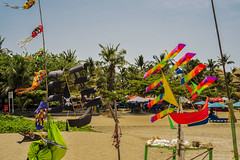 Con todas las velas al viento (Nebelkuss) Tags: bali kuta indonesia playas beach cometa kite colores colours fujixe1 fujinonxf1855