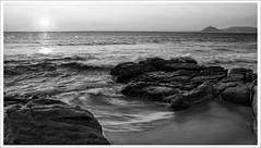 Playa Rio Mayor (Gabriele Spoleto) Tags: blancoynegro gabi rio canon eos mar photo agua foto mayor playa arena fotografa thegalaxy desaturada 550d