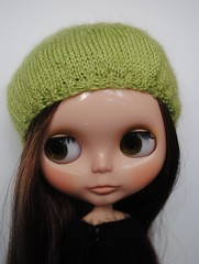 Annie's new eyechips, eyelashes and beret =)