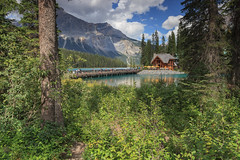 Like Paradise (seryani) Tags: bridge summer naturaleza mountain lake canada nature beauty field america canon landscape rockies island nationalpark amrica scenery bc britishcolumbia lac august lodge agosto alberta verano northamerica rockymountains montaa isla canad montaas 2012 yoho emeraldlake canadianrockies parquenacional yohonationalpark canadianrockymountains canonef2470f28l norteamrica canon2470 lagoesmeralda montaasrocosas columbiabritnica canoneos5dmarkii canadarockymountains august2012 summer2012 montaasrocosasdecanad lagoemerald verano2012 agosto2012 parquenacionaldeyoho lakgo