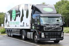 Robert Wiseman Dairies - Volvo FM - SF10 FOH (NewSpectrum) Tags: tractor robert truck volvo lorry streamlined trailer heavy fm artic freight wiseman unit haulage dairies hgv sf10foh