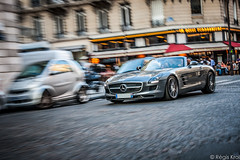 Watch Out ! (haiwepa) Tags: paris mercedes mercedesbenz sls amg roadster