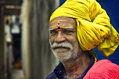 The Turban! (Raghu Madanagopal) Tags: people streets colors portraits peace ngc streetphotography photojournalism chennai kanchi southindia raghu kanchipuram cwc colorsofindia kancheepuram peopleofindia chennaiweekendclickers canoneos550d raghuphotography raghumadanagopal streetphotographyfaces kuduppaikaran