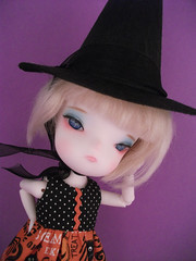 Like my hat? (LittleWhimsies Sews) Tags: halloween littlewhimsies elementsorganizer universe08 secretdollpersons
