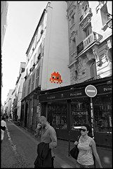 Space Invader , Paris 2012 (STEAM156) Tags: street nyc streetart paris london art travels photos spaceinvader worldwide tiles invader invasion steam156 wwwaerosolplanetcom