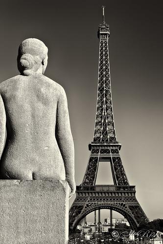 Overlooking the Eiffel-BW
