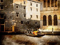 Venecia, Venice 004 (www.ignaciolinares.com) Tags: venecia venice venezia gondola canales sanmarcos feniche campanile ilduomo eldoge vaporetto veneto italia