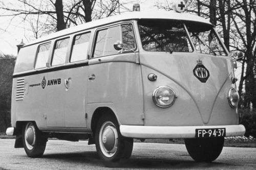 "FP-94-37 Volkswagen Transporter Ambulance 1961 • <a style=""font-size:0.8em;"" href=""http://www.flickr.com/photos/33170035@N02/29311847956/"" target=""_blank"">View on Flickr</a>"