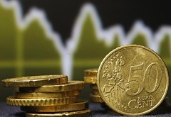 Foreign exchange - Euro hits 2-week highs as Draghi says extending QE not mentioned (majjed2008) Tags: 2week discussed draghi euro extending forex highs hits says