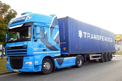 """DAF XF 105.460 Semi-Remorque Porte-conteneur """"VAN MOER TRANSPORT"""" (RO) (xavnco2) Tags: longueau somme picardie france camion truck trucks lorry autocarro lkw semiremorque semitrailer daf xf xf105 460 bleu blue conteneur container haulage"""