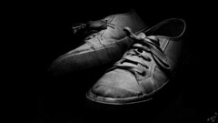 I Scarp del Tennis (bigmike.it) Tags: light black studio shoes background flash tennis lk lowkey nero luce scarpe sfondo bestcapturesaoi mygearandme