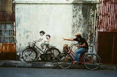 Penang #8 (Amir Ganu) Tags: people streetart film 35mm photography grafitti kodak candid georgetown 400 malaysia penang pointshoot olympusmjuii freestyleman